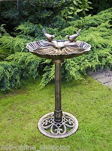 Freestanding Traditional Oyster Shell Decorative Garden Bird Bath Feeder Station