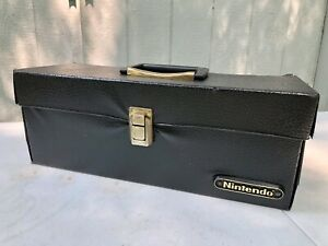 Official Nintendo NES Game Storage Carry Case Black Leather Holds 16-20 Carts!!