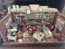 alte Puppenstube Kaufladen reich bestückt Puppenladen