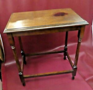 """Antique Early 20th Century American Oak 27"""" Tall Occasional End Table c.1915"""