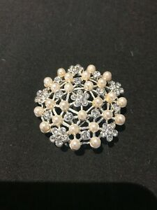 Avon - Reims Brooch - Silver Plated - With Pearls & Clear Stones