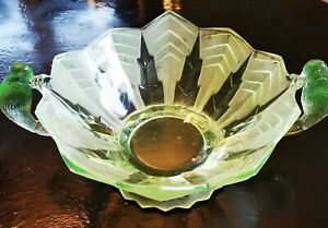 Pressglas-Schale Brockwitz mit Papageien hellgrün
