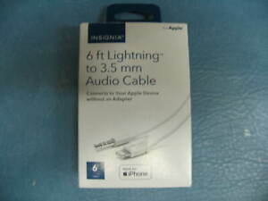 INSIGNIA APPLE 6FT LIGHTING TO 3.5MM AUDIO CABLE USB A TO STEREO PHONO PLUG