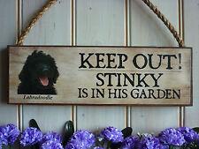 Mantener fuera señal Perro signo Labradoodle Signo Signo de Jardín Puerta cartel Gracioso signo de madera