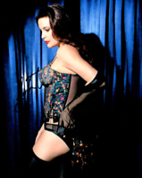 Liv Tyler signed 8 X 10 photo~~Very Sexy Photo Beyond Smoking Super Hot~~