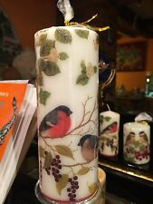 WINTER BIRDS / ROBINS HAND DECORATED PILLAR CANDLE 90hrs 18x6.5cm