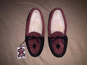 Laurentian Chief Women's Moccasins Slippers Made in Canada Size L/5 #7907 NEW