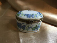 VINTAGE Blue White Floral Ceramic MAX Monogram Oval Trinket Pill Box