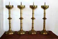 Rare série de quatre pique cierges d' acolyte en laiton doré XIXe Siècle
