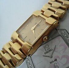 Formal Gold Tone Lady's Seiko Quartz Watch w/ Bracelet 2P20-5E69 Runs