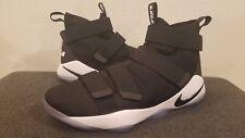 Nike Lebron James Soldier 11 Black / White   SZ 12.5  Mens 943155 003