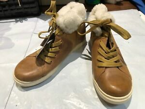 Womens Shoes UGG Size Uk 6 Colour Brown