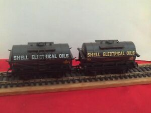DAPOL PAIR OF SHELL ELECTRICAL OILS TANK WAGONS GOOD USED CONDITION