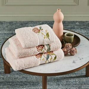 BAGATELLE  BY YVES DELORME, ORGANIC COTTON/MODAL TOWEL, BLUSH WITH EMBROIDERY