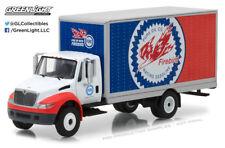 Greenlight 1:64 Heavy Duty Trucks 2013 International Durastar Box Van Pure Oil