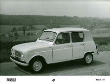 Photo de presse ancienne Renault 4 voiture automobile modèle 1965