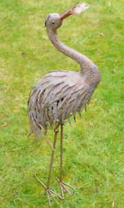 HERON STORK BIRD WITH FISH IN MOUTH METAL GARDEN ORNAMENT DISPLAY PATIO POND