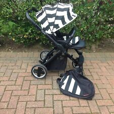 BABYSTYLE OYSTER STROLLER PUSHCHAIR IN  BLACK WITH VOGUE HUMBUG COLOURPACK