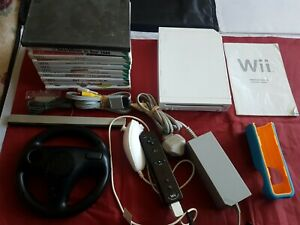Nintendo Wii huge Bundle With 9 Games INC Mario Kart + Wheel Motion + controlle