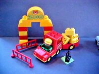 Vintage Lego Duplo ZOO TRUCK, FENCE, ZOOKEEPER DRIVER Minifigure, MORE-22 pcs A3