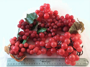 7 GRAPE BUNCHES- RUBBER, ASSORTED SIZES