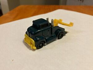 1994 Mattel Hot Wheels Tow Truck Blue & Yellow WT 16 1:64 Diecast Toy Vehicle
