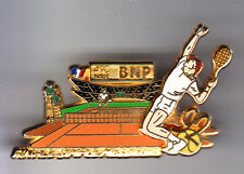 RARE BIG PINS PIN'S 3D .. TENNIS ROLAND GARROS BNP BANQUE 1992  BALLARD ~CO