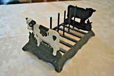 Porte assiettes en fonte décor vache