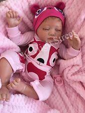"""Childrens 1st Muñeca Reborn Bebé Niña Grande Tamaño recién nacido pelo arraigado Phoebe 22"""" UK"""