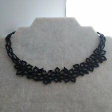 collier fantaisie Tiaré court, noir en gomme de silicone Lady Gum,