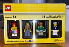Lego Bricktober Minifigures Limited Edition Toys R us Exclusive 5004941 Collect
