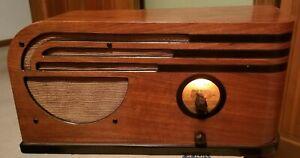 Vintage  1934 Art Deco PHILCO Wooden Table Top Radio Model 1-84