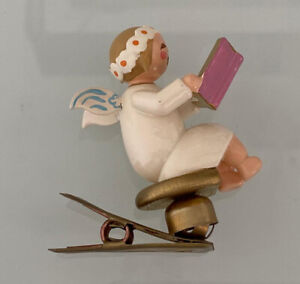 Margeriten Engel mit Liederbuch Buch auf Clip Wendt und Kühn Erzgebirge 1880/21