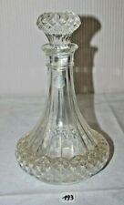 C193 Ancienne carafe à liqueur en Cristal taillé