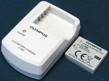 OLYMPUS Model LI-30C Charger with LI-30B Lithium Ion Battery Pack