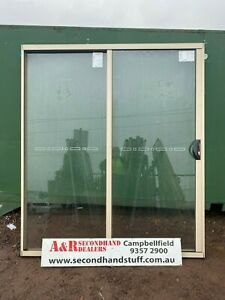 NEW Aluminium SLIDING DOORS 2100h x 1800w (Approx size) 5 COLOURS