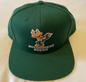 Milwaukee Bucks Mitchell & Ness Snapback Hat