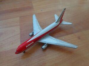 907/140 SCHABAK 1:600 BOEING 767-259ER AVIANCA AIRLINES DIECAST PLANE