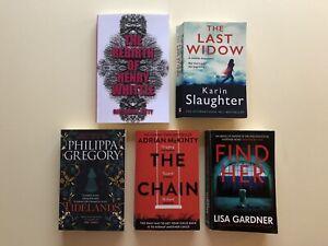 KARIN SLAUGHTER, THE LAST WIDOW, Thriller Book Bundle: THE CHAIN, Tidelands,