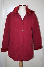 BNWT Talla 12 Rojo Abrigo Con Capucha con ribete de piel sintética/Acolchado-pero no voluminosos C2525
