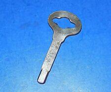 Unmarked Singer Simanco 124428 Key Sewing Machine Bentwood Case