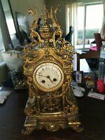 Belle Ancienne pendule en bronze doré  19eme