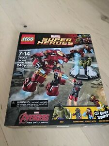 Lego Marvel Super Heroes The Hulk Buster Smash (76031) MISB Ultron Scarlet Witch