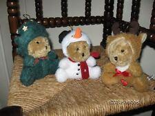 Metro Soft Toys UK 3 Christmas Bears Musical Reindeer