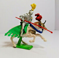 Britains Deetail mounted Knight Vintage Figures Toy Soldiers 1970s Version 2