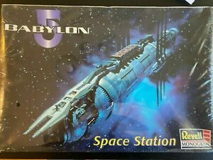 Babylon 5 Space Station Model  Revell Monogram - Sealed