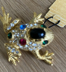 Pave Set Frog Diamanté Brooch Stunning !