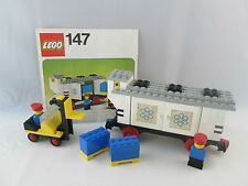 Lego Train 4.5V - 147 Refrigerated Car with Forklift