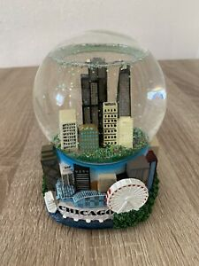 SHIPS SAME DAY Chicago Snow Globe & Music Box(Not Working) Rare Smith Novelty
