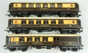 TRIANG PULLMAN CARS 'MARY'+'JANE' + CAR 79 BRAKE GOOD CONDITION UNBOXED OO(WT)